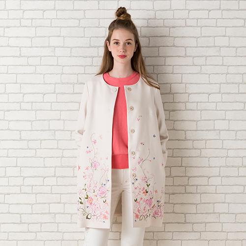 フラワー刺繍ノーカラージャケット